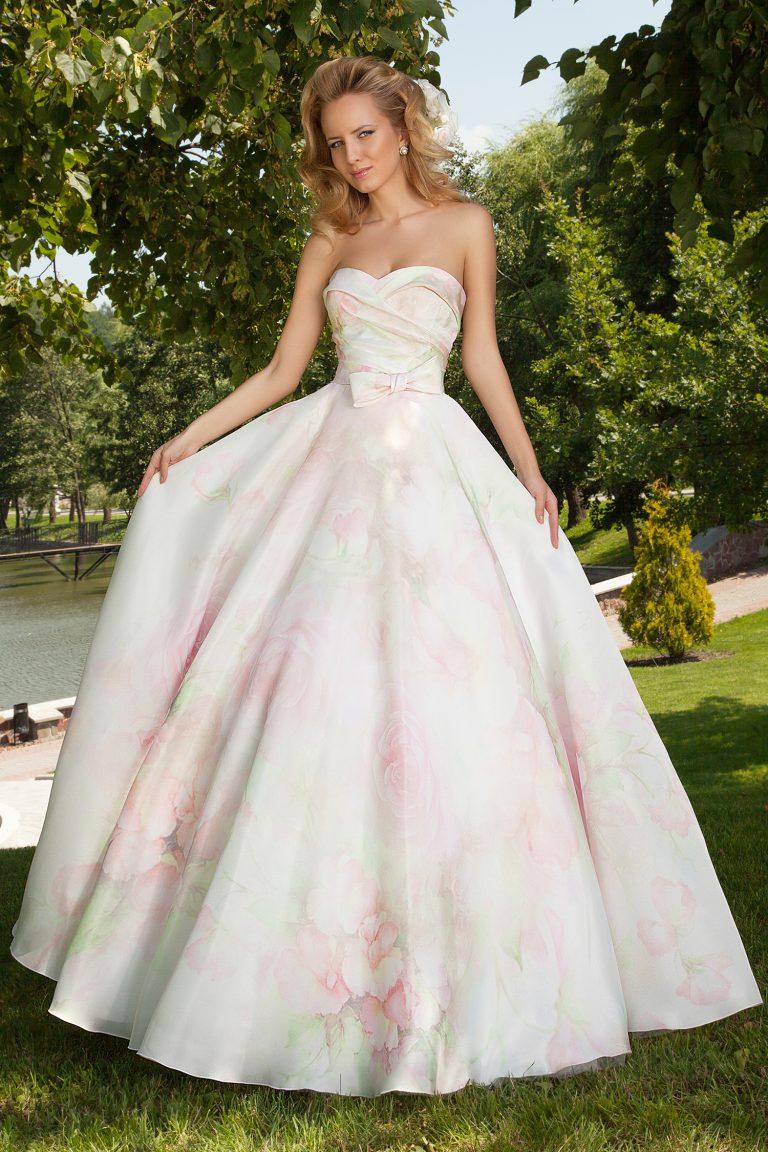 Robe de mariage avec fleurs