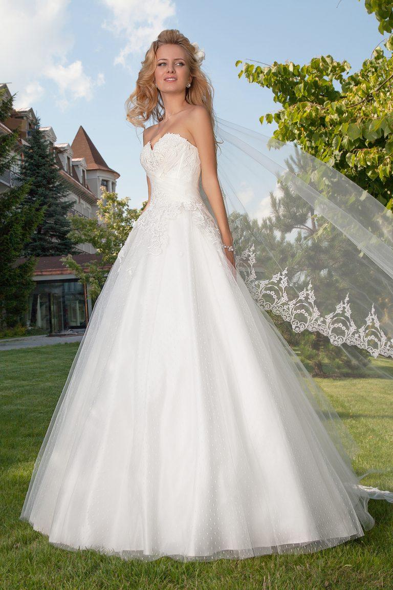 Robe de mariée princesse en plumetis