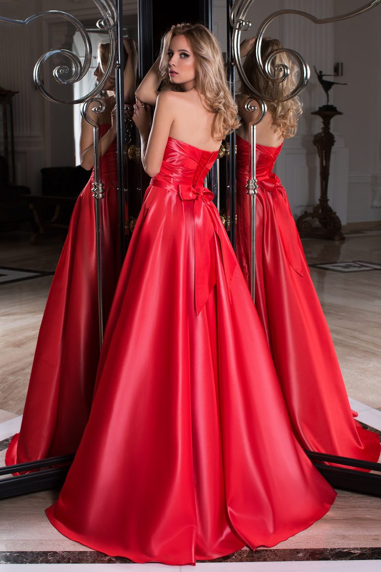 robe de cocktail bustier rouge en satin duchesse oksana. Black Bedroom Furniture Sets. Home Design Ideas