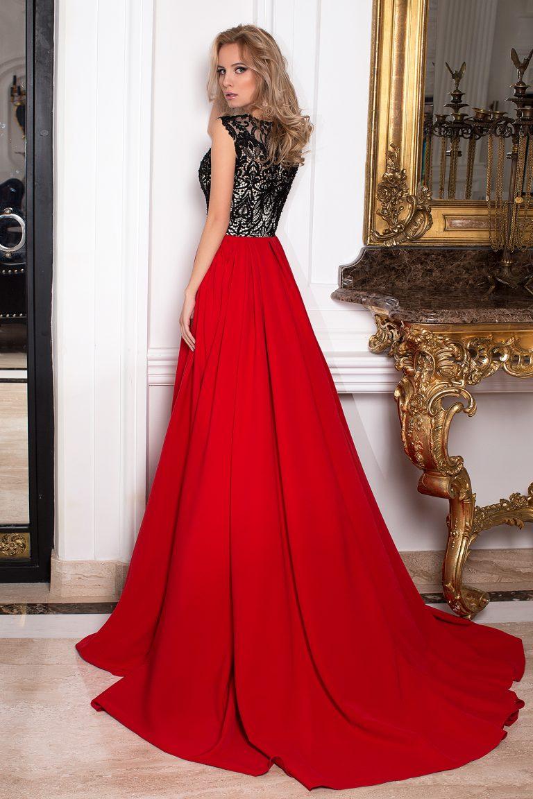 Robe rouge et noire longue