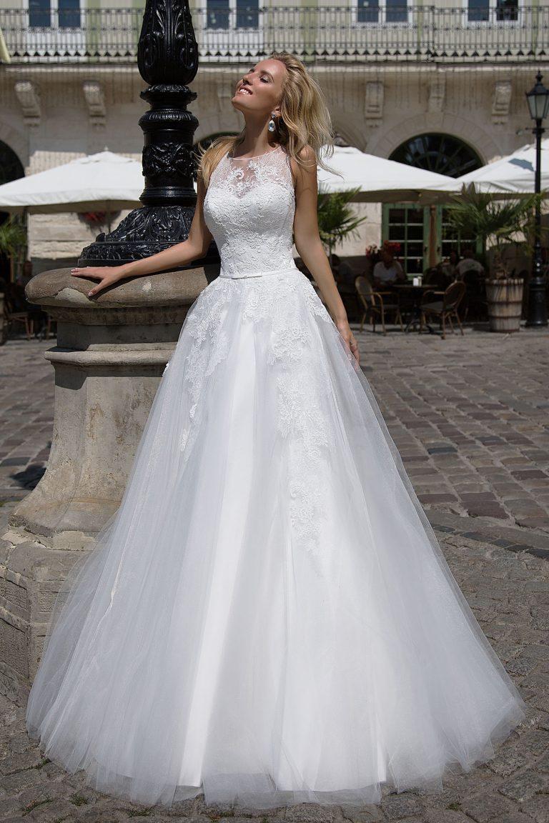 robe de mari e en tulle et dentelle oksana mukha paris