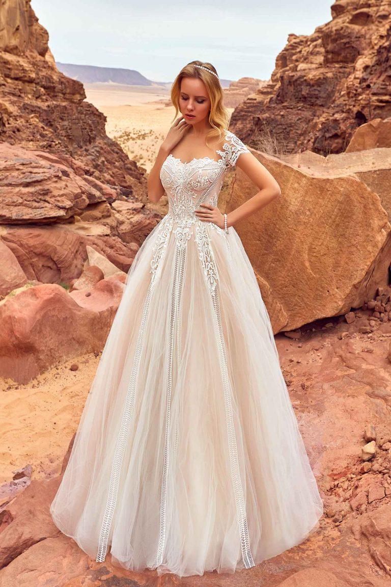 Robe de mariée princesse à manchettes en dentelle
