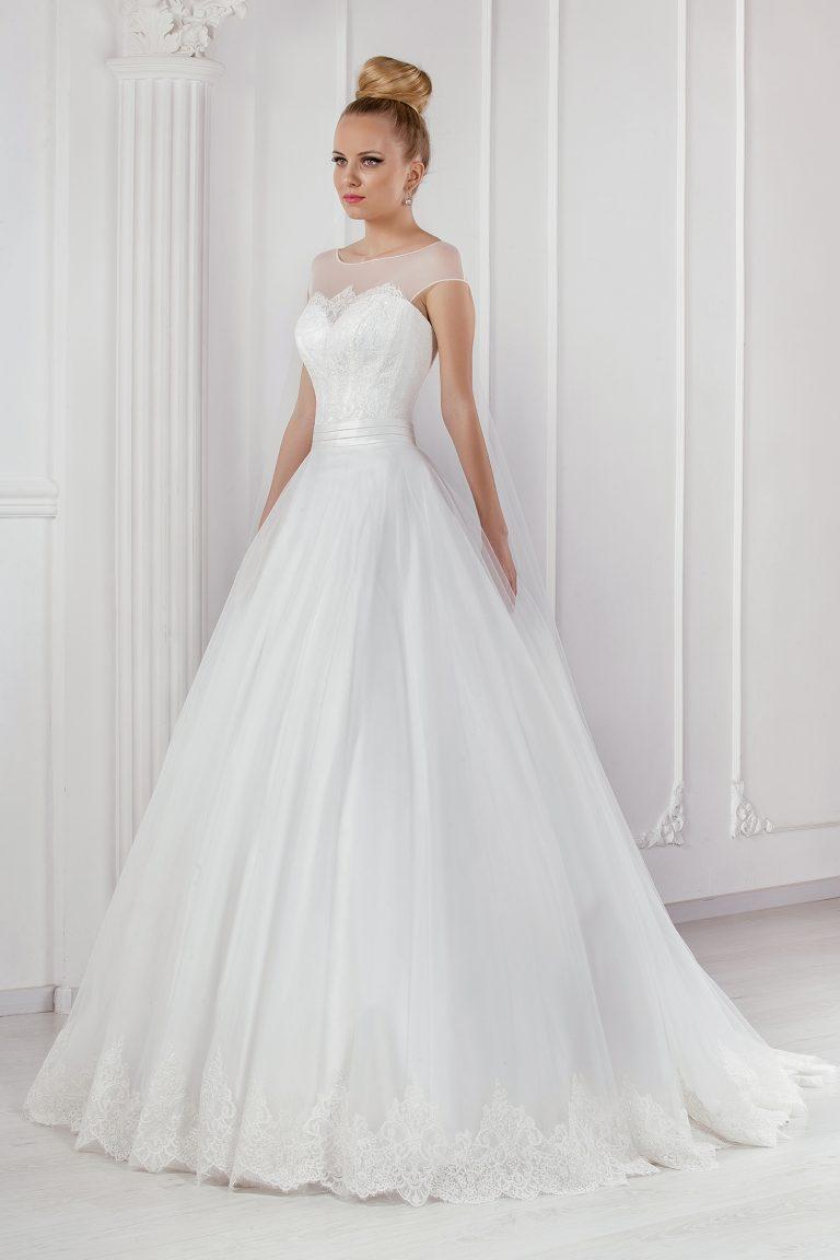 Robe de mariée en tulle de soie et dentelle
