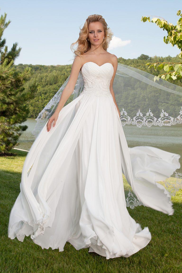 Robe de mariée fluide bustier cœur