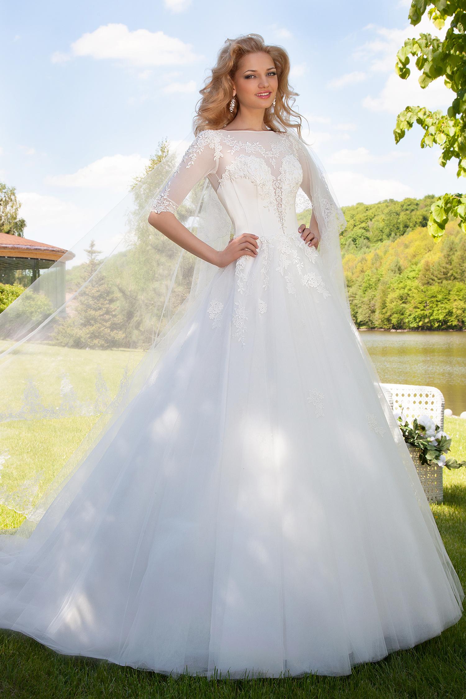 Robe de mariée princesse manches courtes