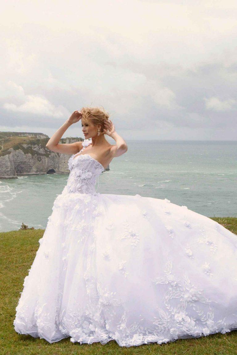 Robe de mariée luxe longue traine
