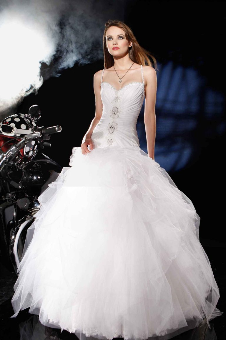 Robe de mariée avec bustier cristaux Swarovski