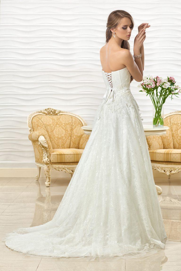 Robe de mariée en dentelle de Chantilly