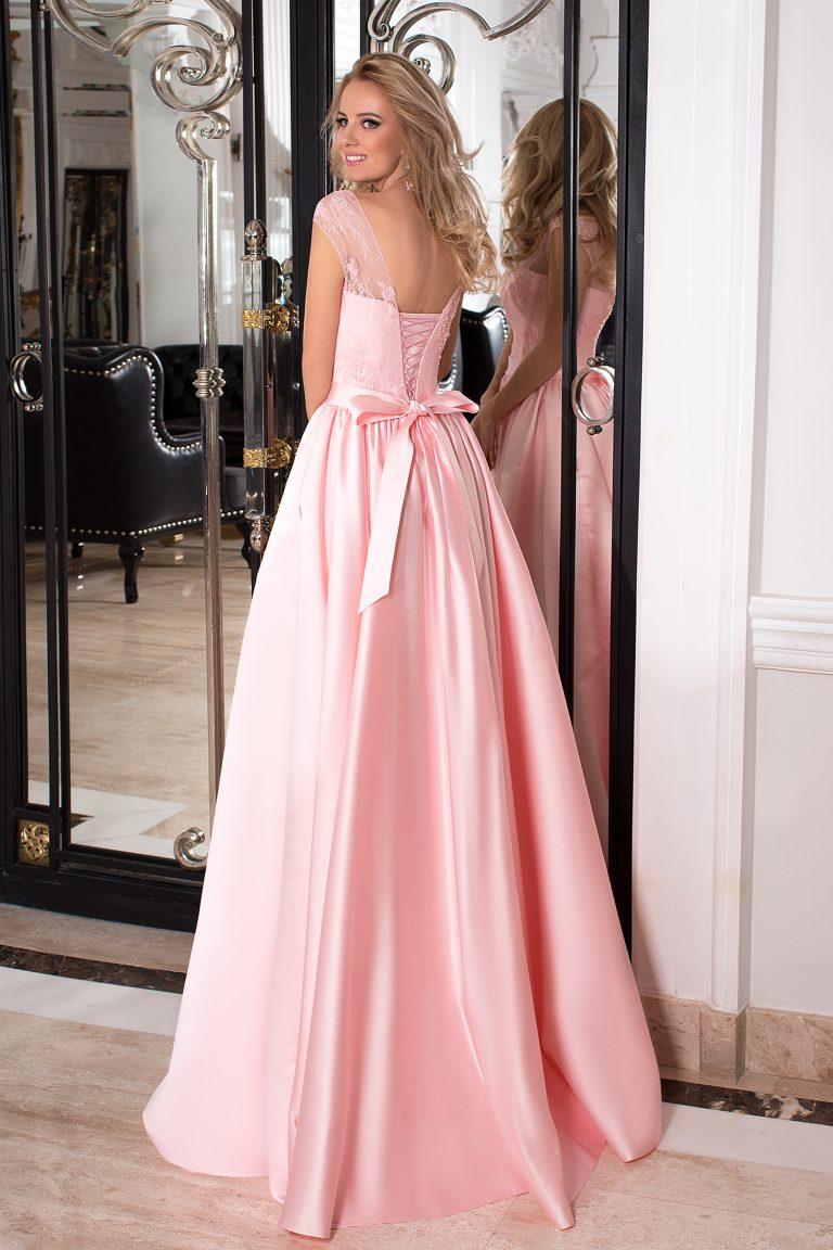 9576c7fb21e Robe de cocktail rose poudré en satin duchesse - Oksana Mukha Paris
