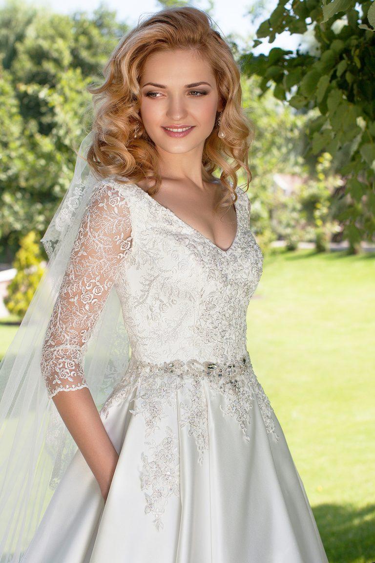 Robe de mariée A-Line bustier dentelle argentée
