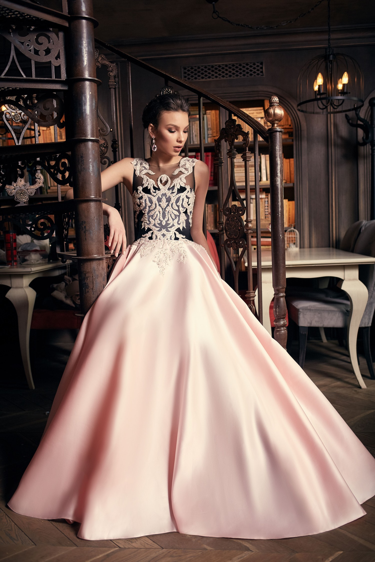 robe de soiree luxe noire et rose en satin duchesse