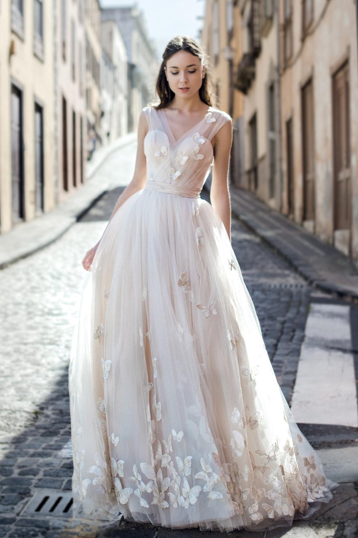 robe de mariee avec papillons