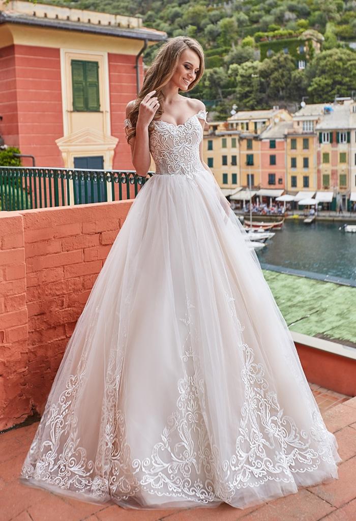 robe de mariee elegante en dentelle