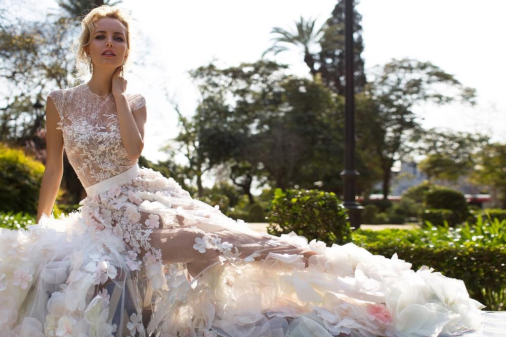 robe de mariee fleurs en 3D