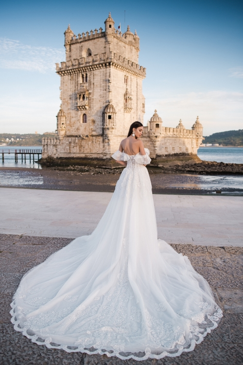 Robe de mariée luxe dentelle rose