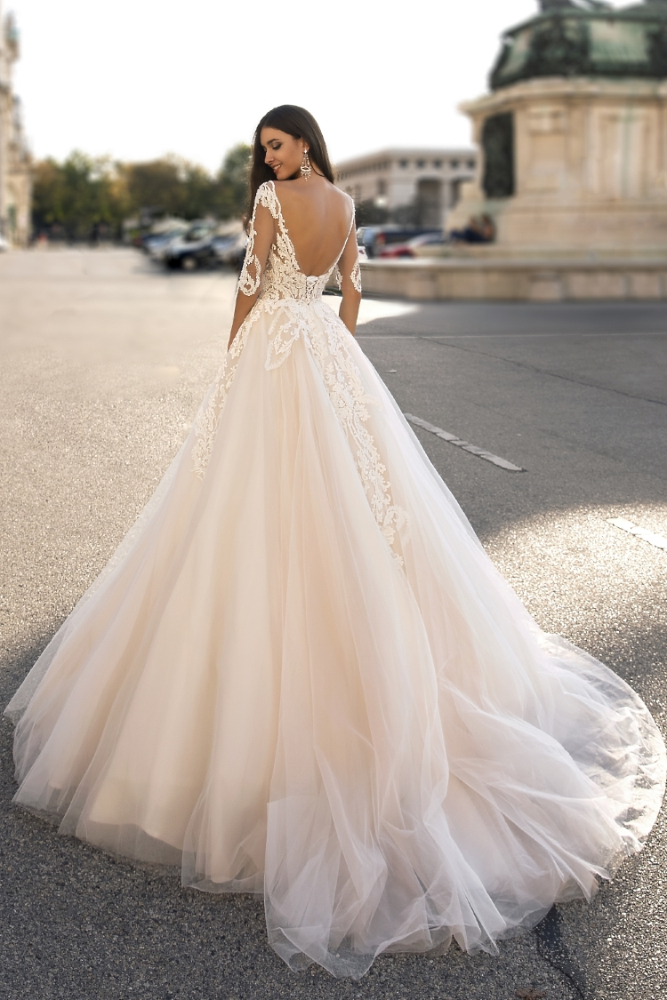 robe de mariee dos nu longues manches