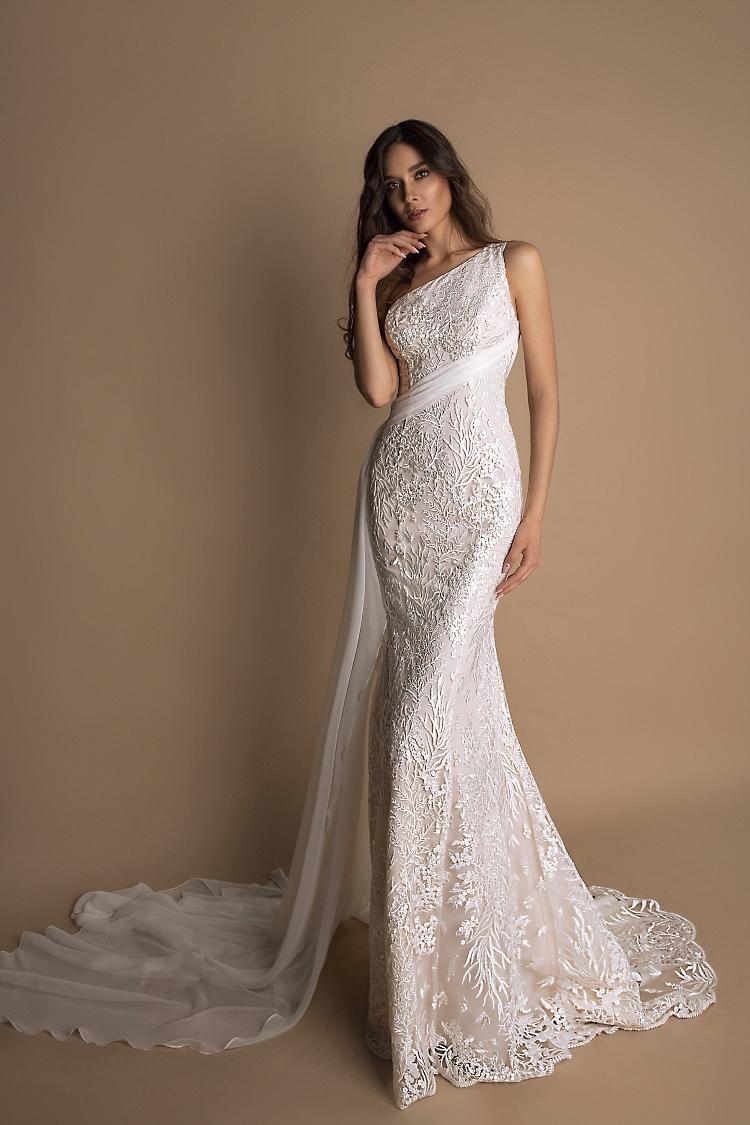robe de mariee fourreau avec traine