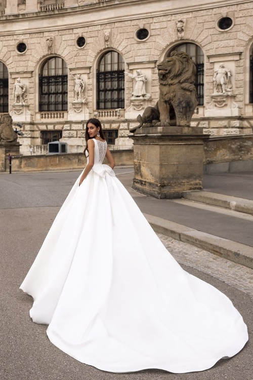 Robe de mariée longue traîne