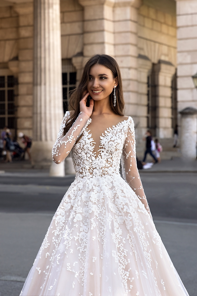 robe de mariee princesse longues manches