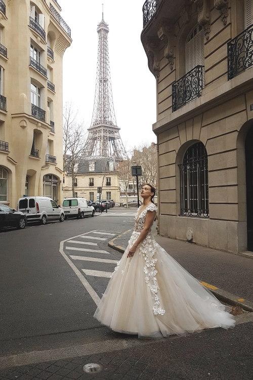 Robe de mariée fleurs 3D