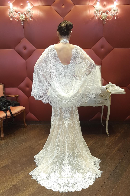 robe de mariee avec etole assortie