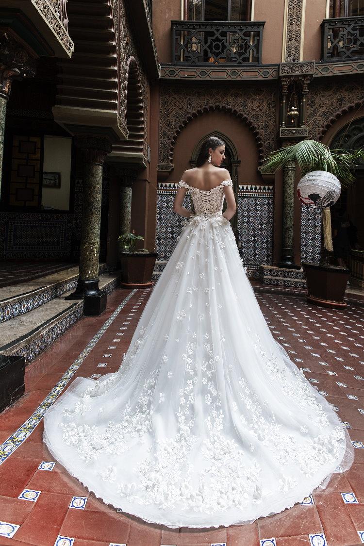 robe de mariee avec traine sur mesure