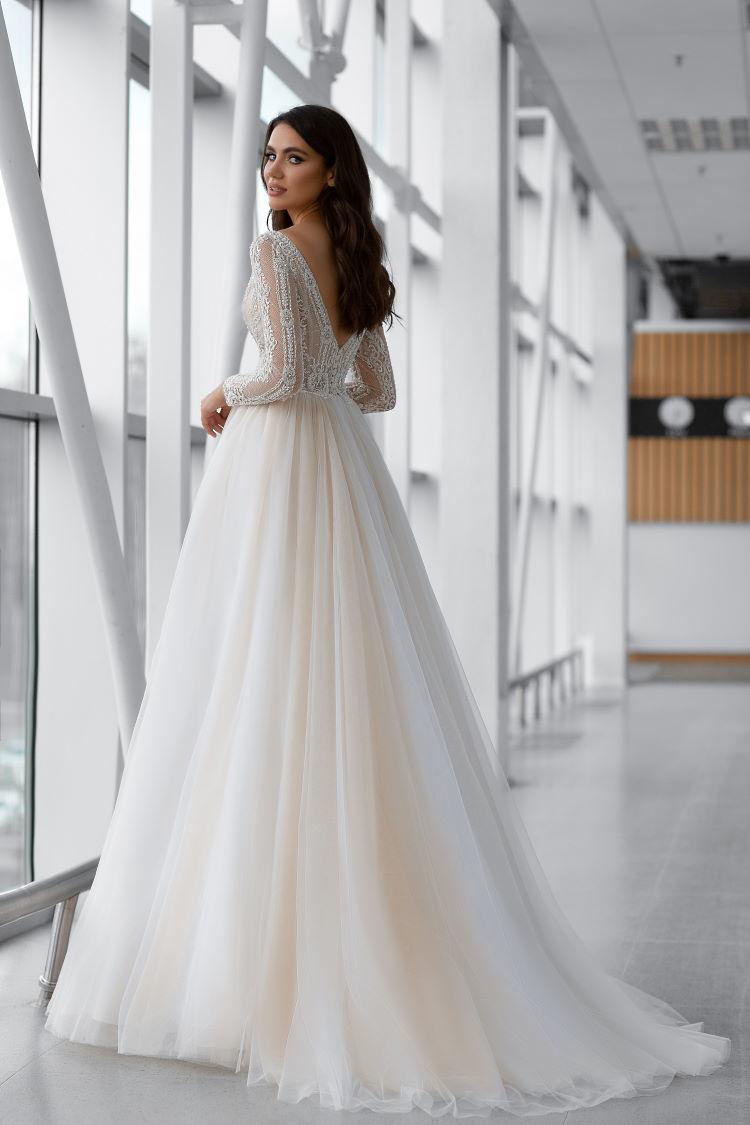 robe de mariee tsniout decolletee