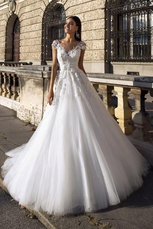 Robe de mariée princesse col V