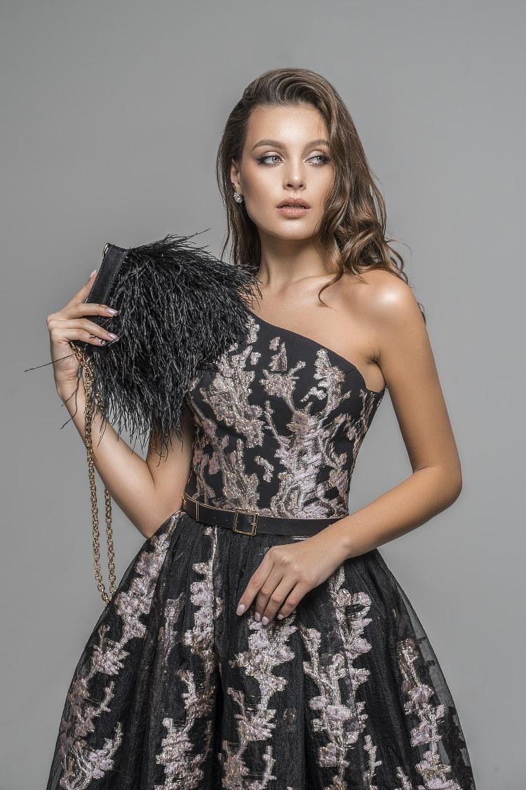 robe brodee au fil de soie