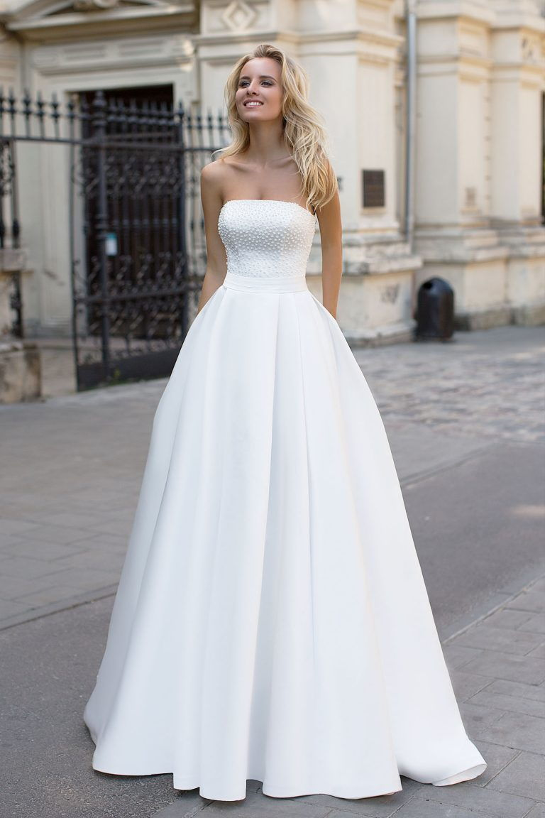 Robe de mariée bustier en plumetis