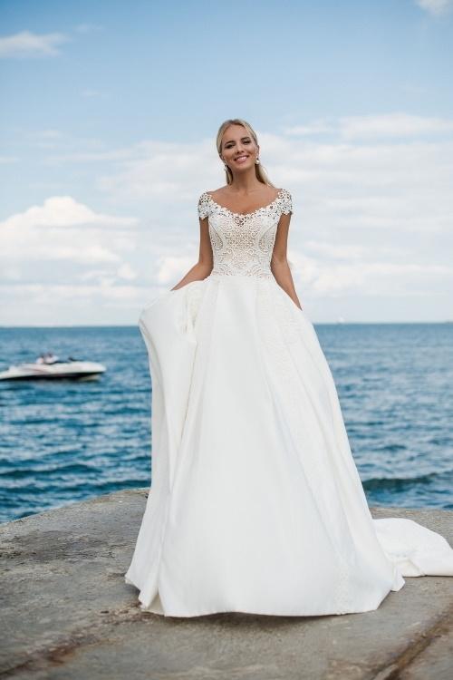 Robe de mariée A-line col bateau