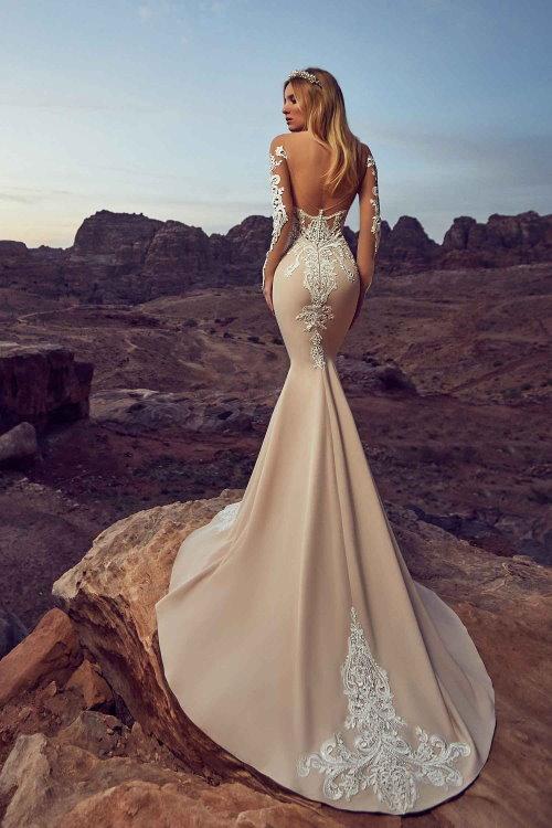 Robe de mariée fourreau