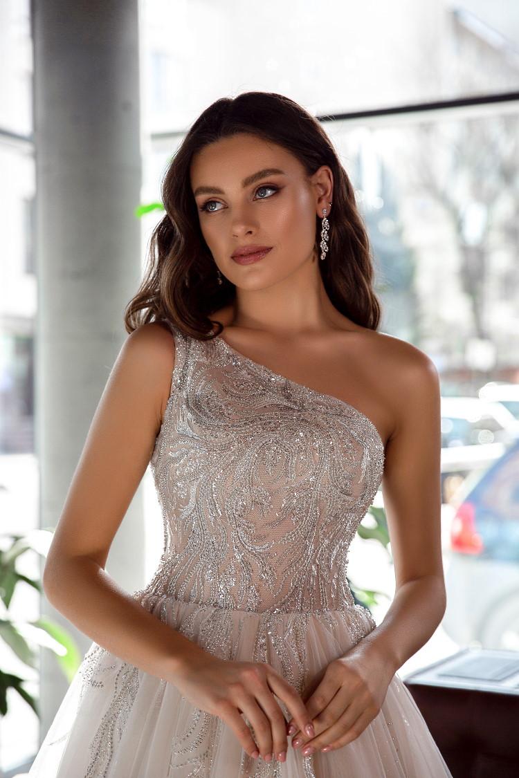 robe de mariee haut asymetrique