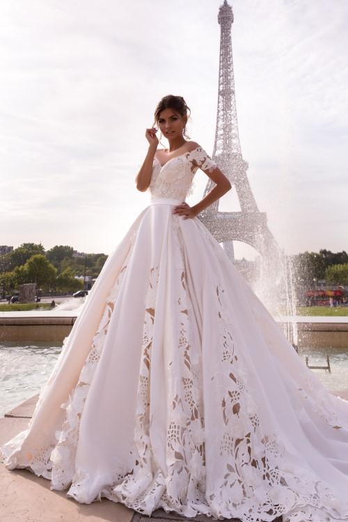 Robe de mariée ajourée