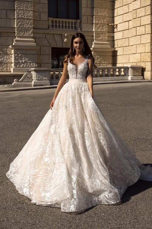 Robe de mariée princesse dos en V