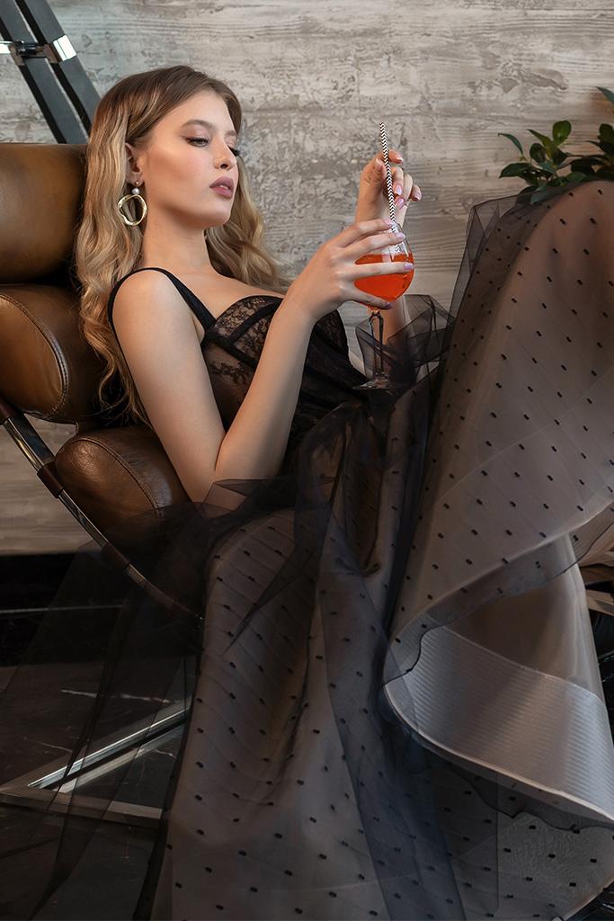 robe de cocktail noire dentelle