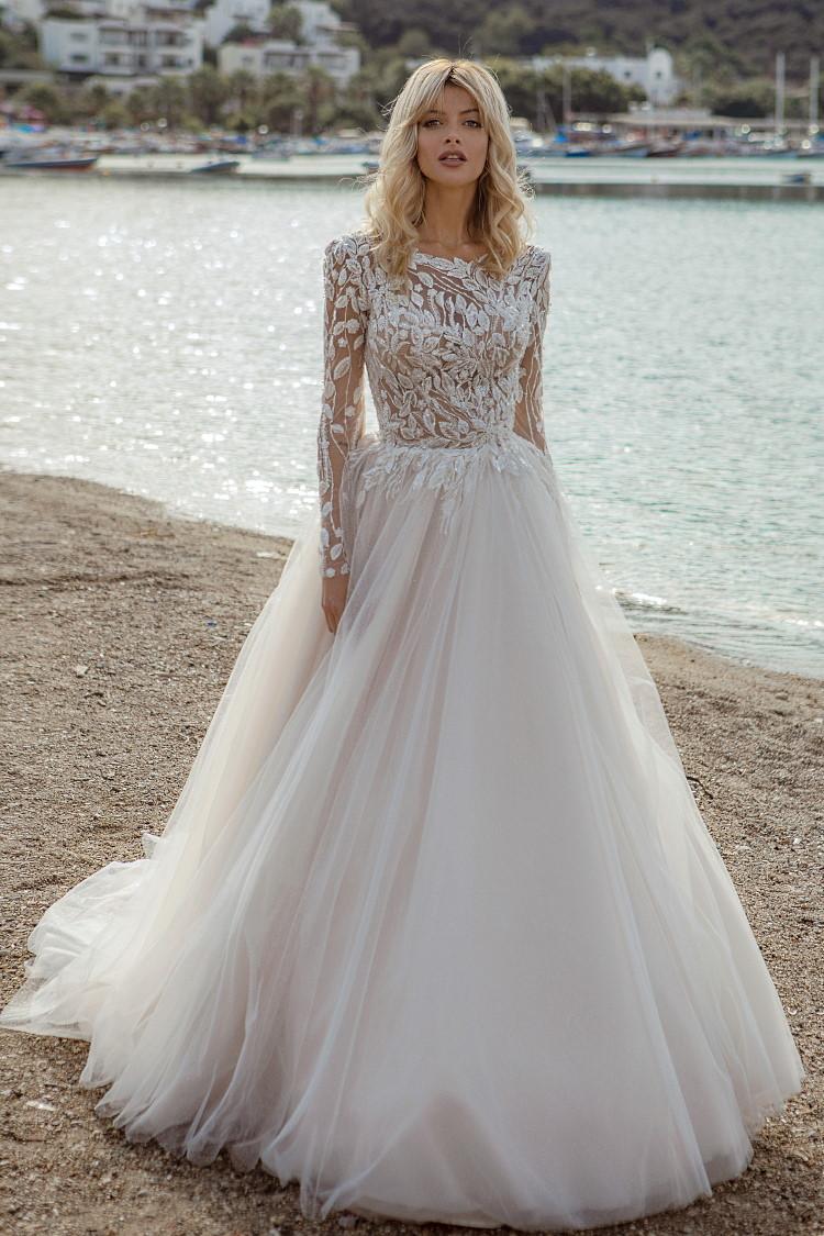 robe de mariee avec dentelle tatoo