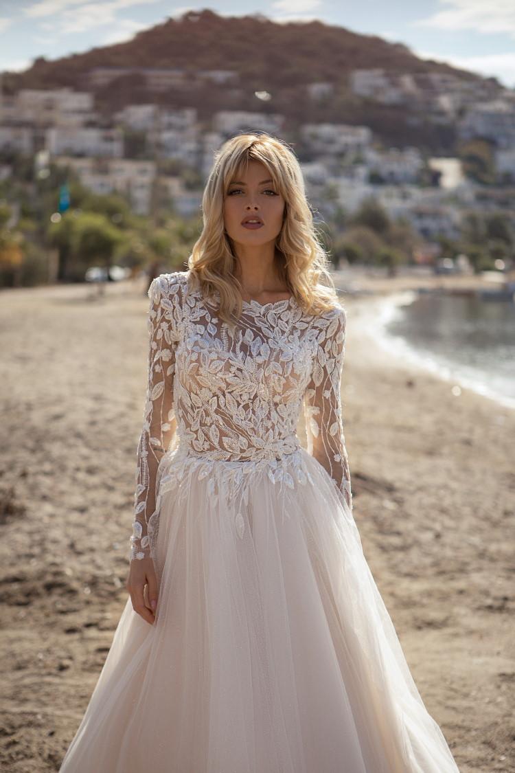 robe de mariee couvrante en dentelle