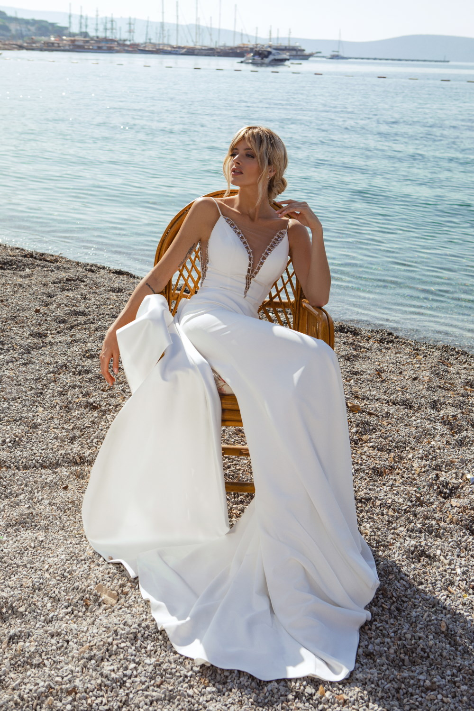 robe de mariee droite longue traine