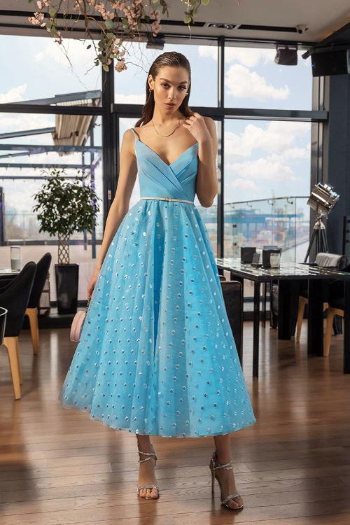 Robe d'invitée de mariage bleue