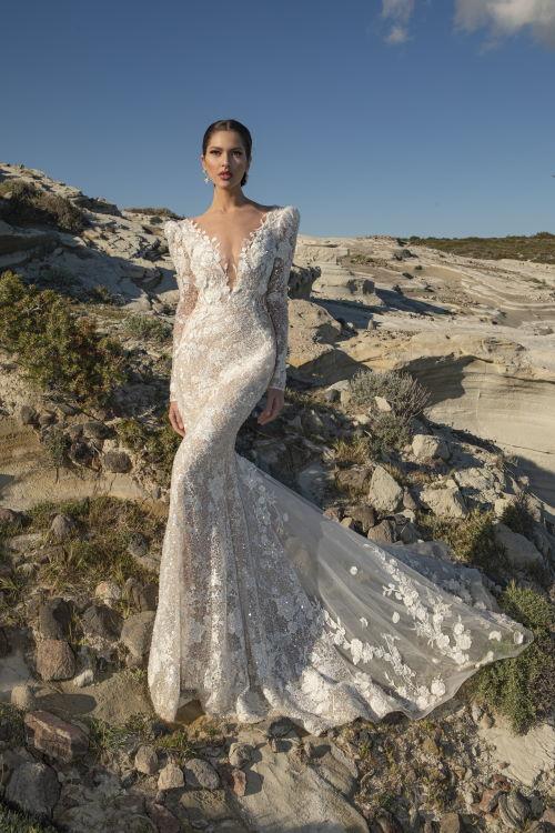 Robe de mariée épaules structurées